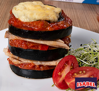 Torre de Berenjena con atún y tomate